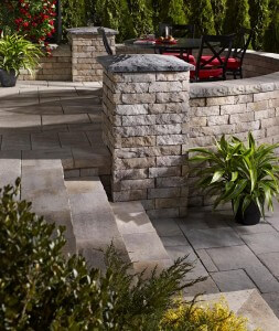 Laffit Tandem Wall by Permacon