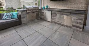 porcelain-roof-deck-graustein.2e591d02a8ff2fd7d398b5f83cb0a790